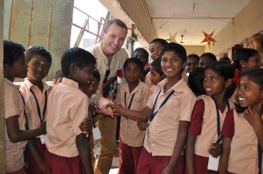 Profi på besök i Hand in hand-byn Pakkanadu